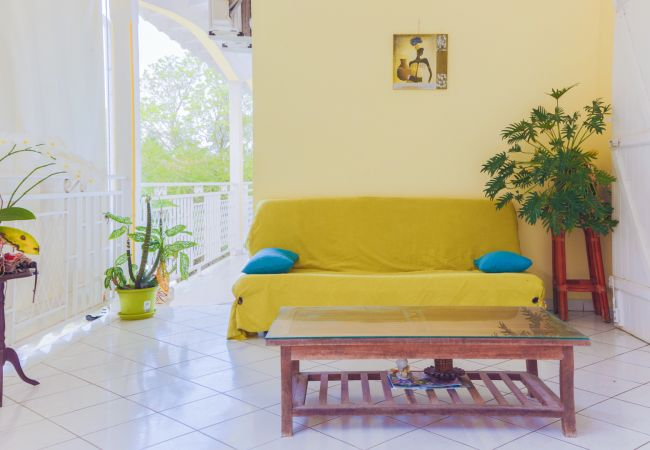 Rent by room in Le Gosier - La Chambre des Amis - GOSIER Port-Blanc