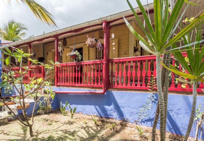 Ferienhaus in Morne-à-l´Eau - Maison Bois Mango - MORNE A L'EAU centre